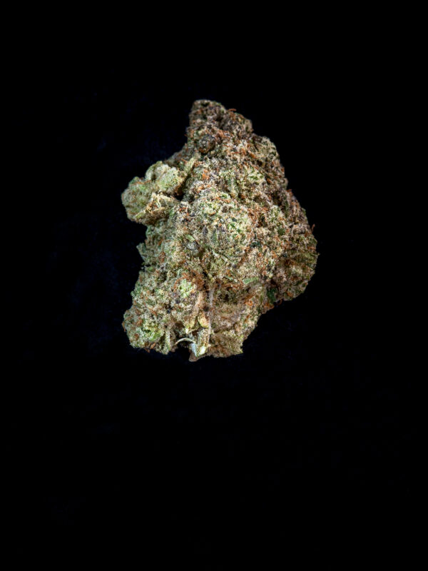 Bahama Blizzard Hybrid Cannabis Flower close up